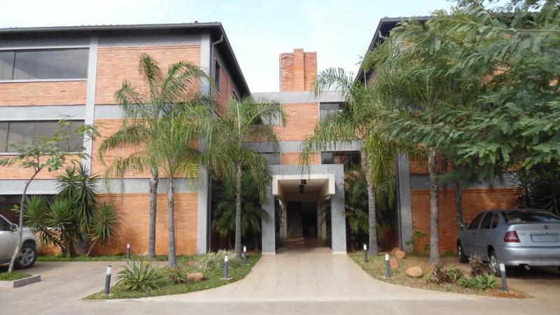 Foto Departamento en Alquiler en  Luque ,  Central  Zona Conmebol