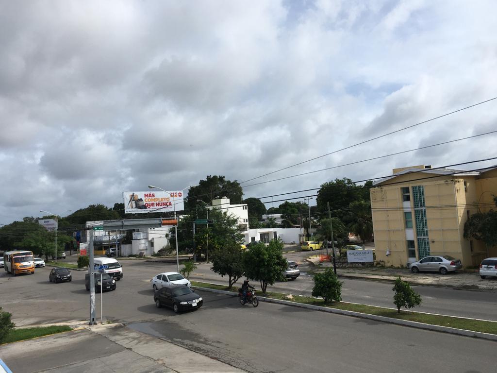 Foto Local en Renta en  México Oriente,  Mérida  Local en Renta en la col Mexico sobre avenida magnifica ubicacion y con estacionamiento ubicado en 2o. piso