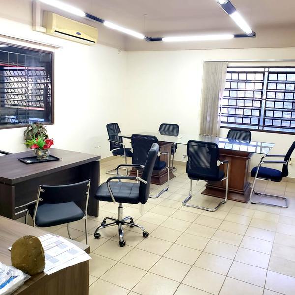Foto Oficina en Alquiler en  Loma Pyta,  Zeballos Cue  Zona Iglesia La Piedad