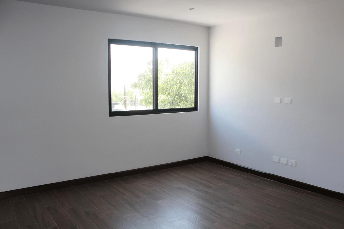 Foto Casa en Venta en  Palo Blanco,  San Pedro Garza Garcia  CASA EN VENTA  PRIVADA DEL PARQUE  SAN PEDRO GARZA GARCÍA  N L  $7,800,000