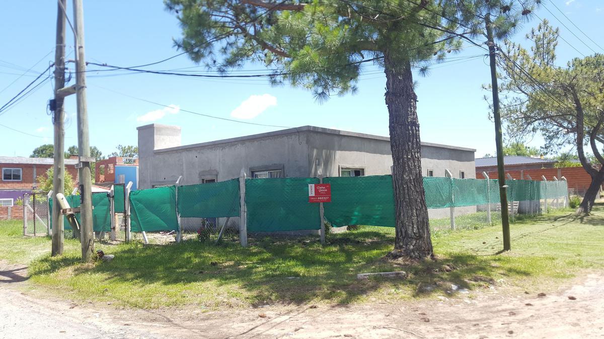 Foto Casa en Venta en  San Bernardo Del Tuyu ,  Costa Atlantica  Calle 2 Nº 1603