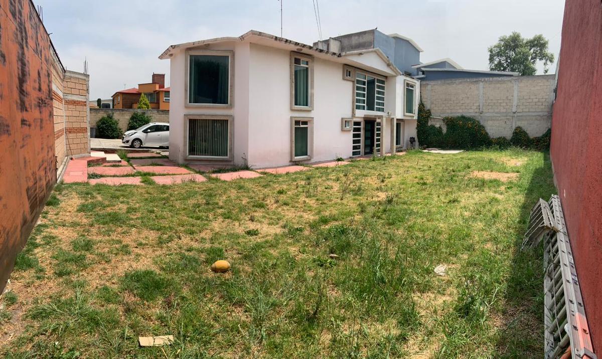 Foto Casa en Venta en  Metepec ,  Edo. de México  Hermosa casa en privada Adolfo Lopez, Metepec, Edo. de México.