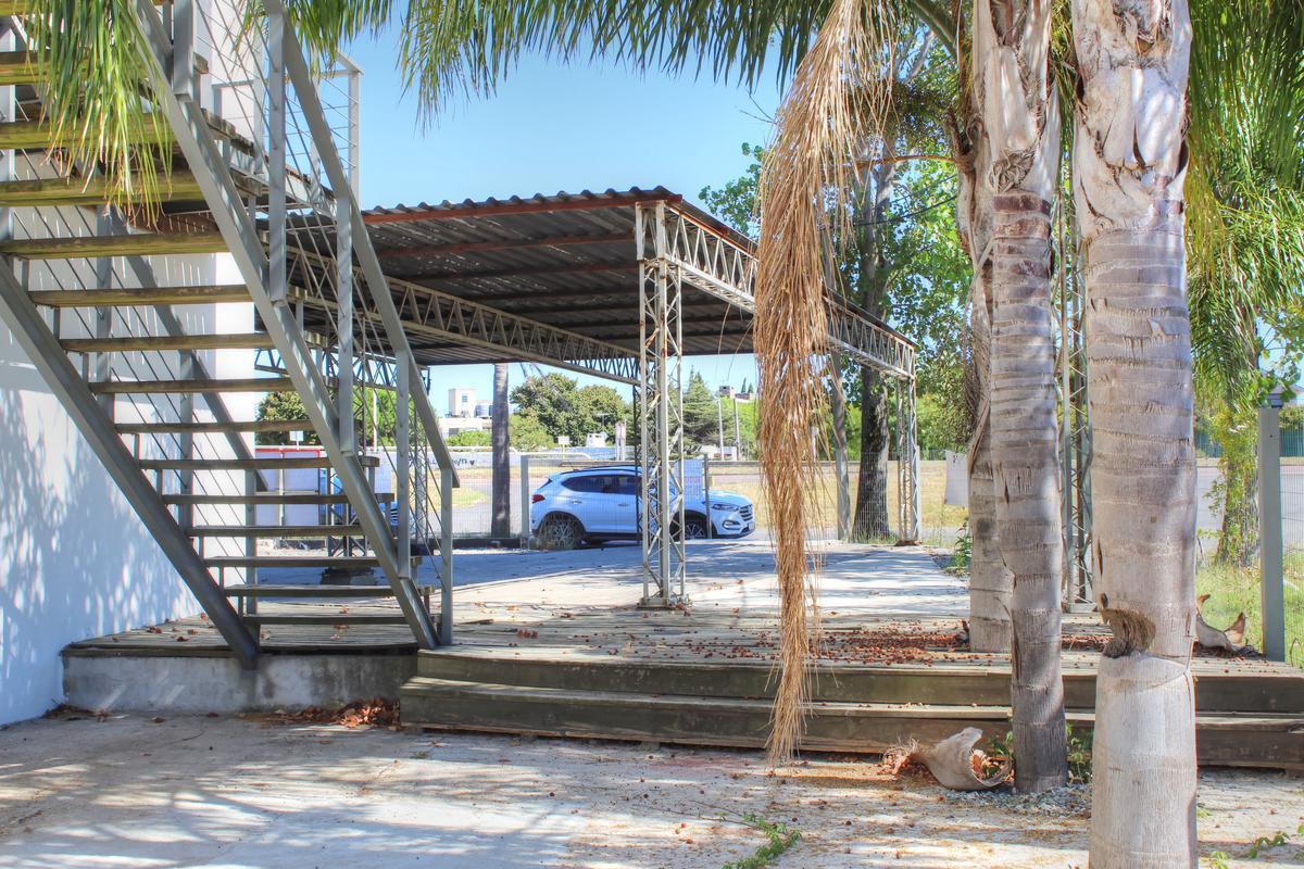 Foto Local en Venta en  Barra de Carrasco ,  Canelones  Barra de Carrasco