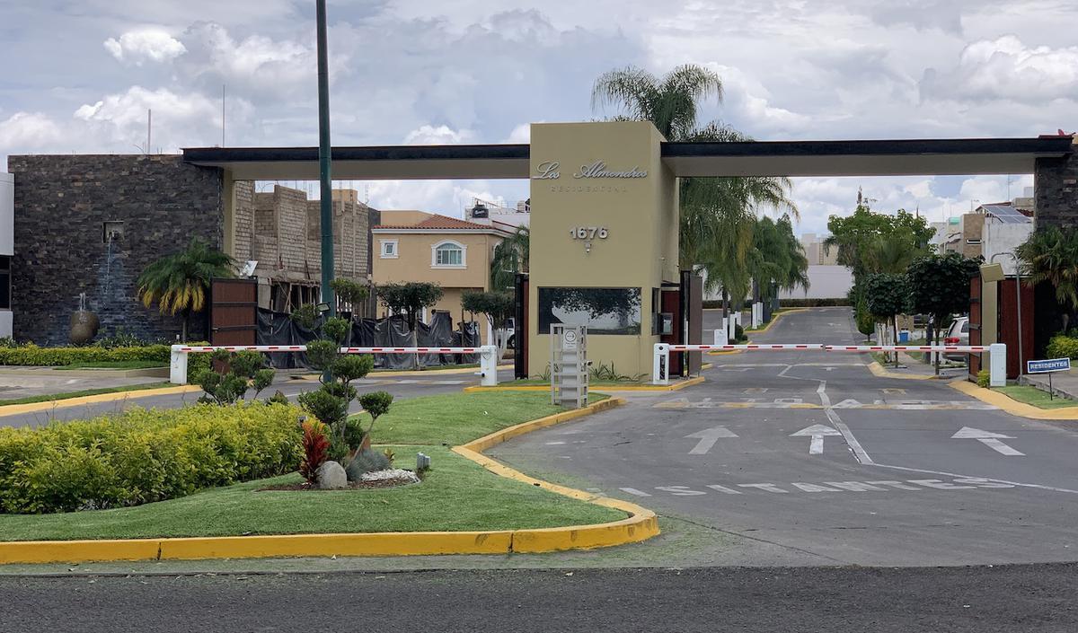 Foto Terreno en Venta en  Fraccionamiento Los Almendros,  Zapopan  Av Rio Blanco 1676 282
