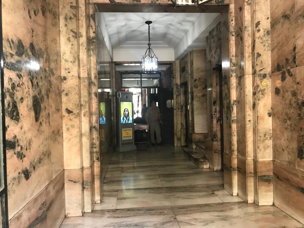 Foto Departamento en Venta en  Recoleta ,  Capital Federal  CALLAO al 1600, excelente piso en esquina