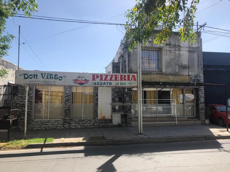 Foto Local en Alquiler en  Centro De Lujan,  Lujan  25 de Mayo 750