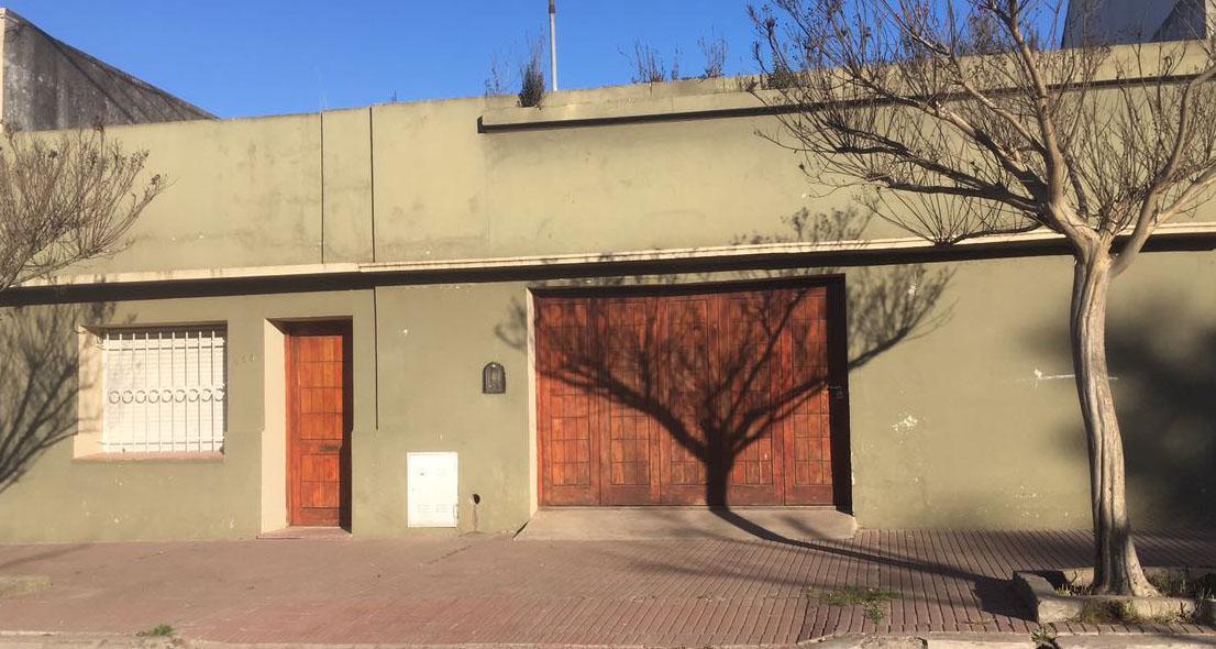 Foto Casa en Venta en  Balcarce,  Balcarce  28 e/25 y 27
