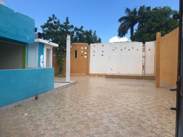 Foto Local en Renta | Venta en  San Miguel,  Cozumel  Local CAPITAN  Ave 65 entre Calles 21 y 23