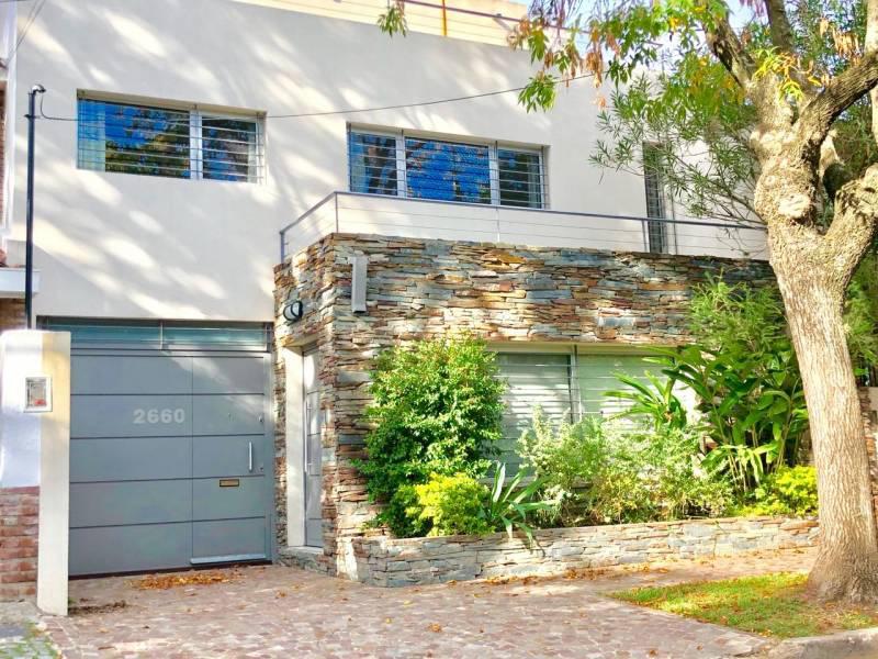 Foto Casa en Venta en  Martinez,  San Isidro  Pedro Goyena al 2600