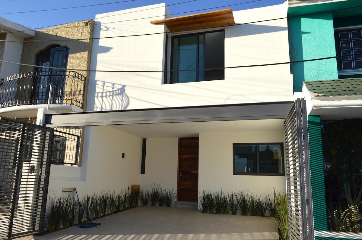 Foto Casa en Venta en  Tabachines,  Zapopan  Paseo de la Palmeras 47,  Tabachines, Zapopan, Jalisco