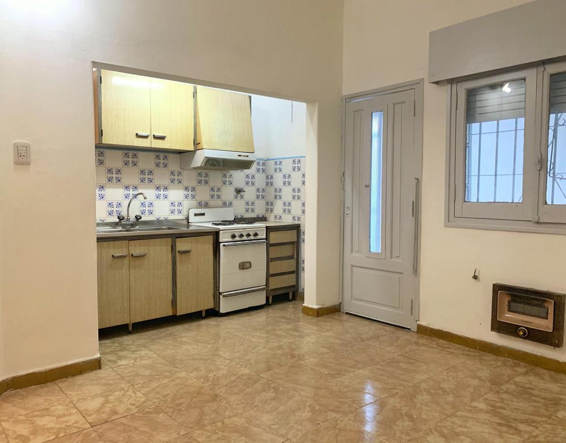 Foto Casa en Alquiler en  Sarmiento,  Rosario  Artigas al 700