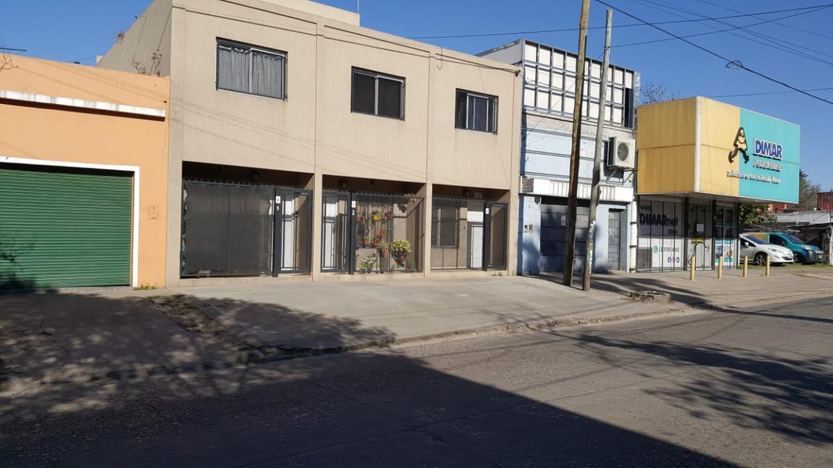 Foto Departamento en Alquiler en  Centro (Moreno),  Moreno  España al 900 esq. J. Daract