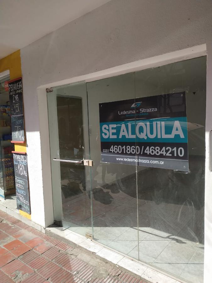 Foto Local en Alquiler en  Nueva Cordoba,  Capital  INDEPENDENCIA al 1000