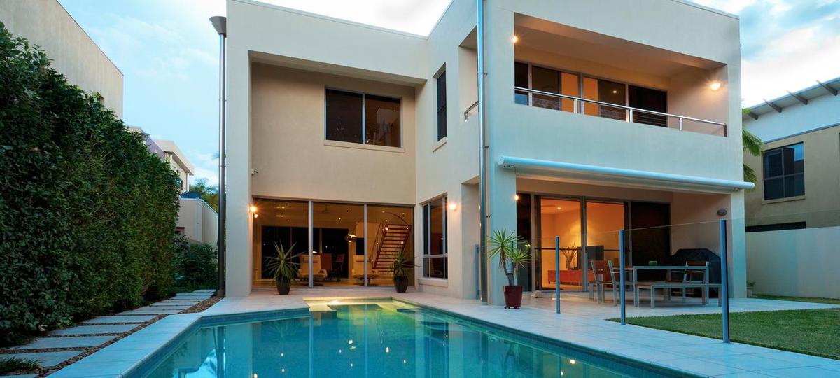 Foto Casa en Venta en  Carlos Pellegrini,  Aldea Fisherton  dean funes esquina estomba