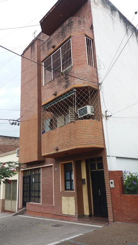 Foto Departamento en Alquiler en  San Miguel De Tucumán,  Capital  25 de Mayo al  1600 -PB