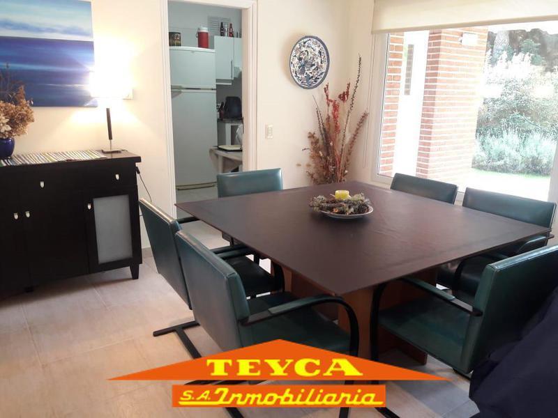 Foto Casa en Alquiler temporario en  Pinamar ,  Costa Atlantica  PENELOPE 4168   E/ FTA. LA VICTORIA Y ETONEO