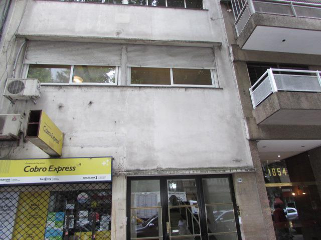 Foto Departamento en Venta en  Recoleta ,  Capital Federal  Avenida Pueyrredón al 1800
