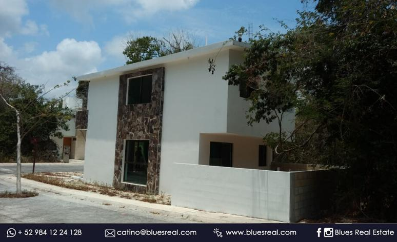 Picture House in Sale in  José María Morelos ,  Quintana Roo  For sale house with 3 bedrooms in Puerto Morelos at Aldea Kiinn Blues Real | Code 965