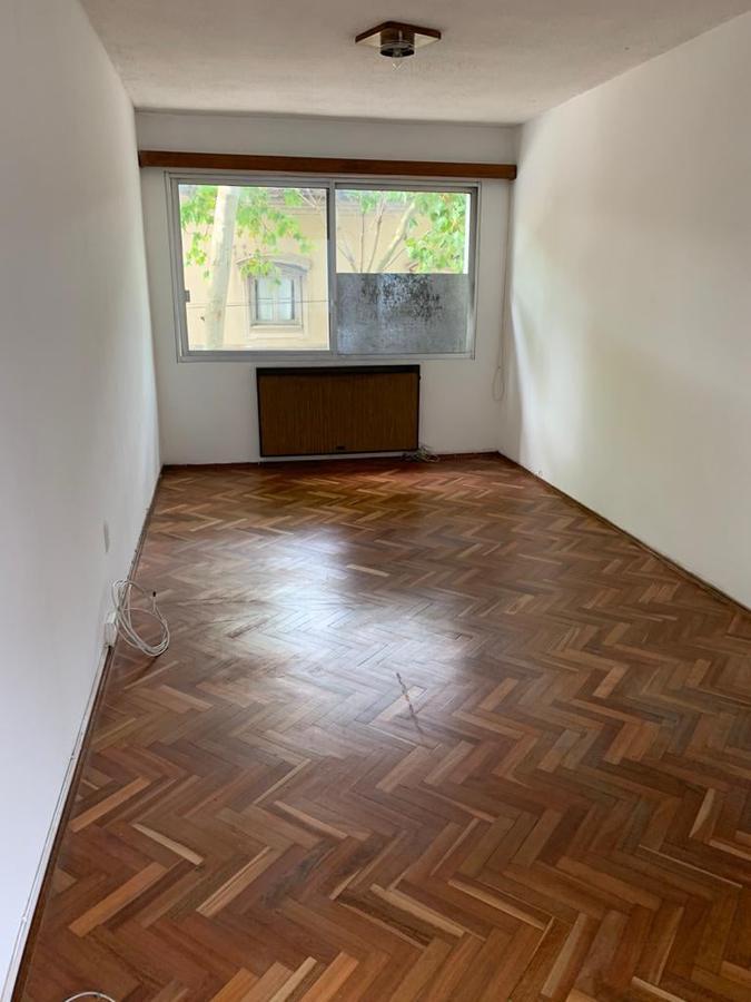 Foto Apartamento en Venta en  Centro (Montevideo),  Montevideo  Canelones y Gutierrez Ruiz - 2 dorm