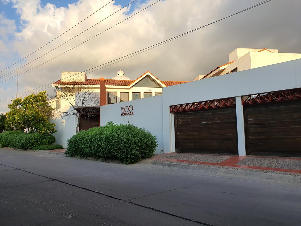 Foto Casa en Venta en  Culiacán ,  Sinaloa   CASA EN VENTA EN FRACCIONAMIENTO MONTEBELLO #500
