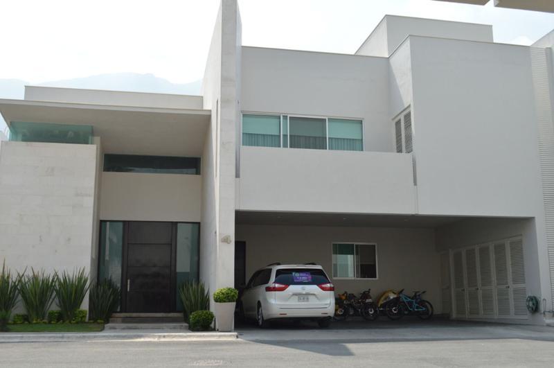Foto Casa en Venta en  La Cima,  San Pedro Garza Garcia  VENTA CASA LA CIMA PRIV. LA CUSPIDE SAN PEDRO