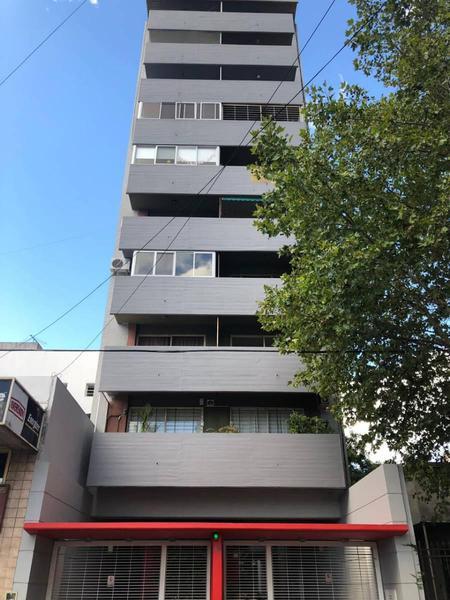 Foto Departamento en Venta en  Lanús Este,  Lanús  Sitio de Montevideo 1100