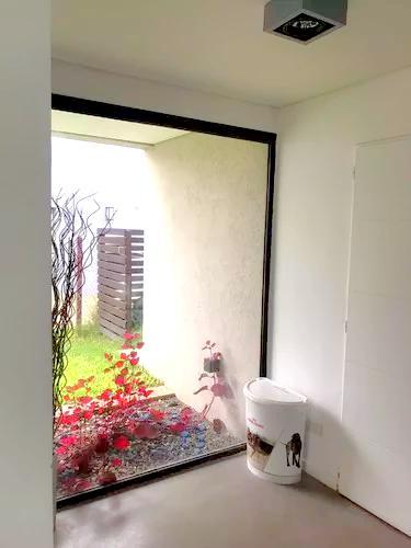 Foto Casa en Venta en  La Comarca,  Countries/B.Cerrado (Tigre)  Casa en venta en la comarca 4 doms pileta playroom y dependencia al agua