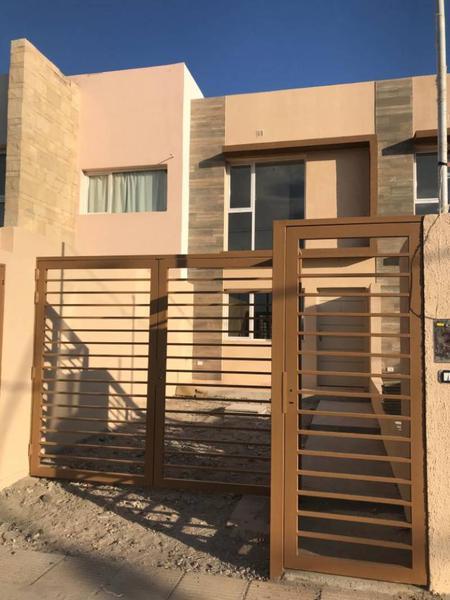 Foto Casa en Venta en  Terrazas Neuquén,  Capital  Alpataco 150