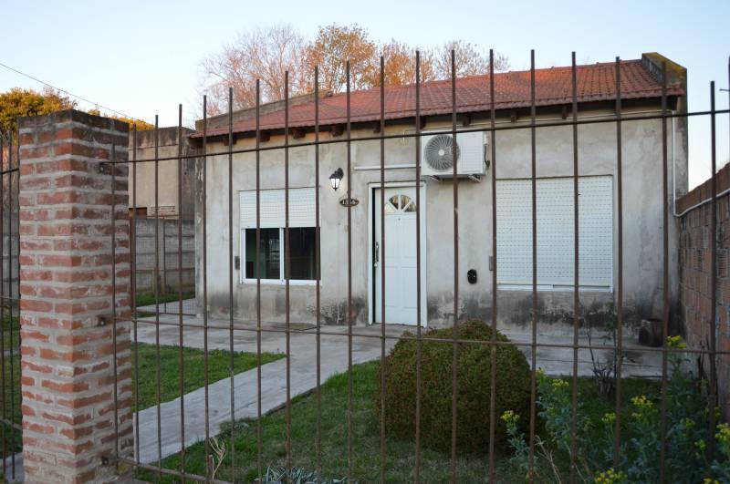 Foto Casa en Venta en  General Belgrano,  General Belgrano  Calle 29 entre 32 y 34 al 100