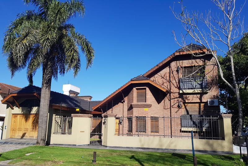 Foto Casa en Venta en  Castelar Norte,  Castelar  Crisólogo Larralde al 3200