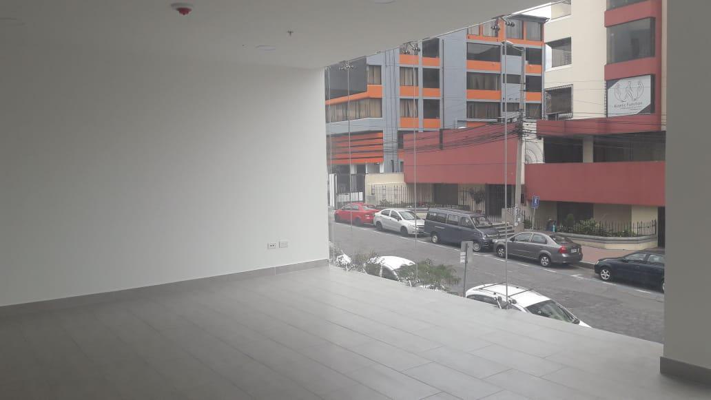 Foto Local en Alquiler en  Quito ,  Pichincha  La Carolina
