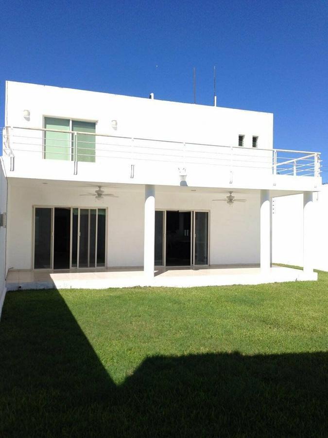 Foto Casa en Renta en  Fraccionamiento Montebello,  Mérida  Rento bella casa en el Fracc. Montebello
