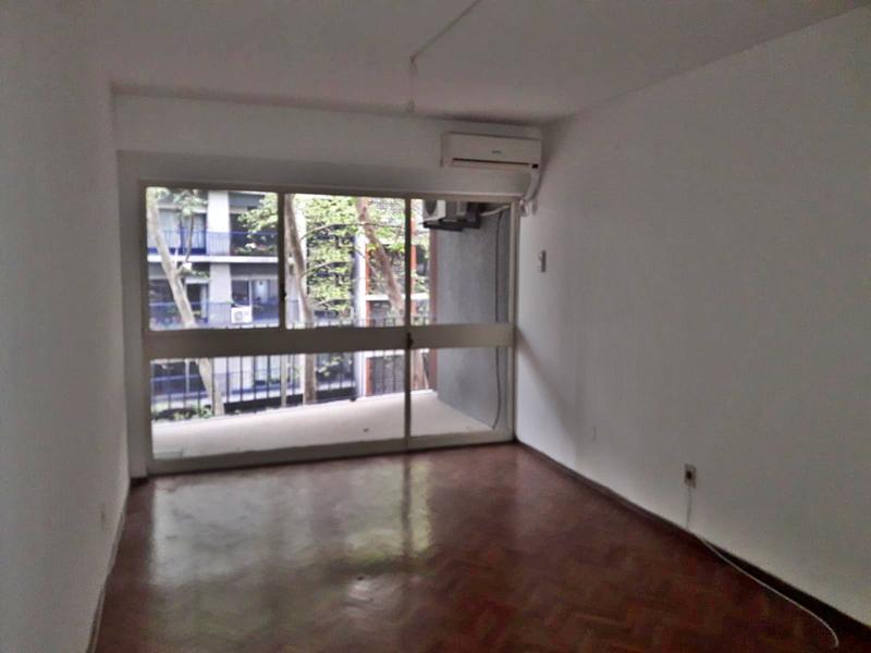 Foto Departamento en Alquiler en  Pocitos ,  Montevideo          Un dormitorio como los de antes, A metros de  rambla
