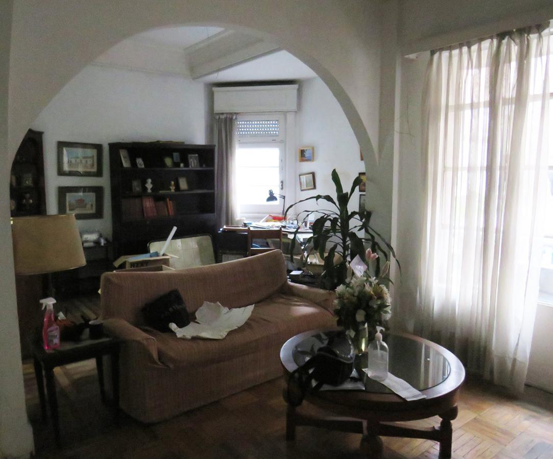 Foto Apartamento en Venta en  Centro (Montevideo),  Montevideo  Zelmar Michelini  al 1200