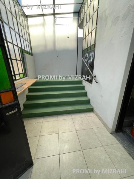 Foto Oficina en Alquiler en  Caballito ,  Capital Federal   Av. San Martín al 2401  esq. Camarones