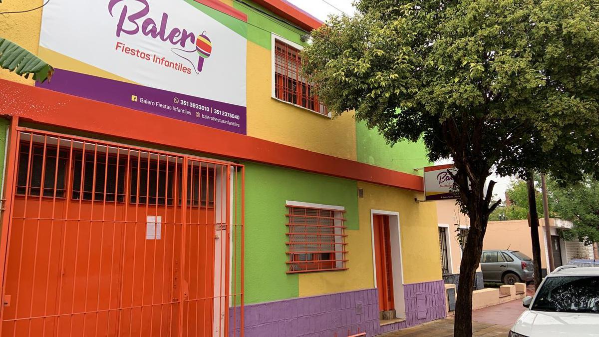 Foto Galpón en Venta en  Amp.Los Platanos,  Cordoba Capital  Jose Verdi N° 3343