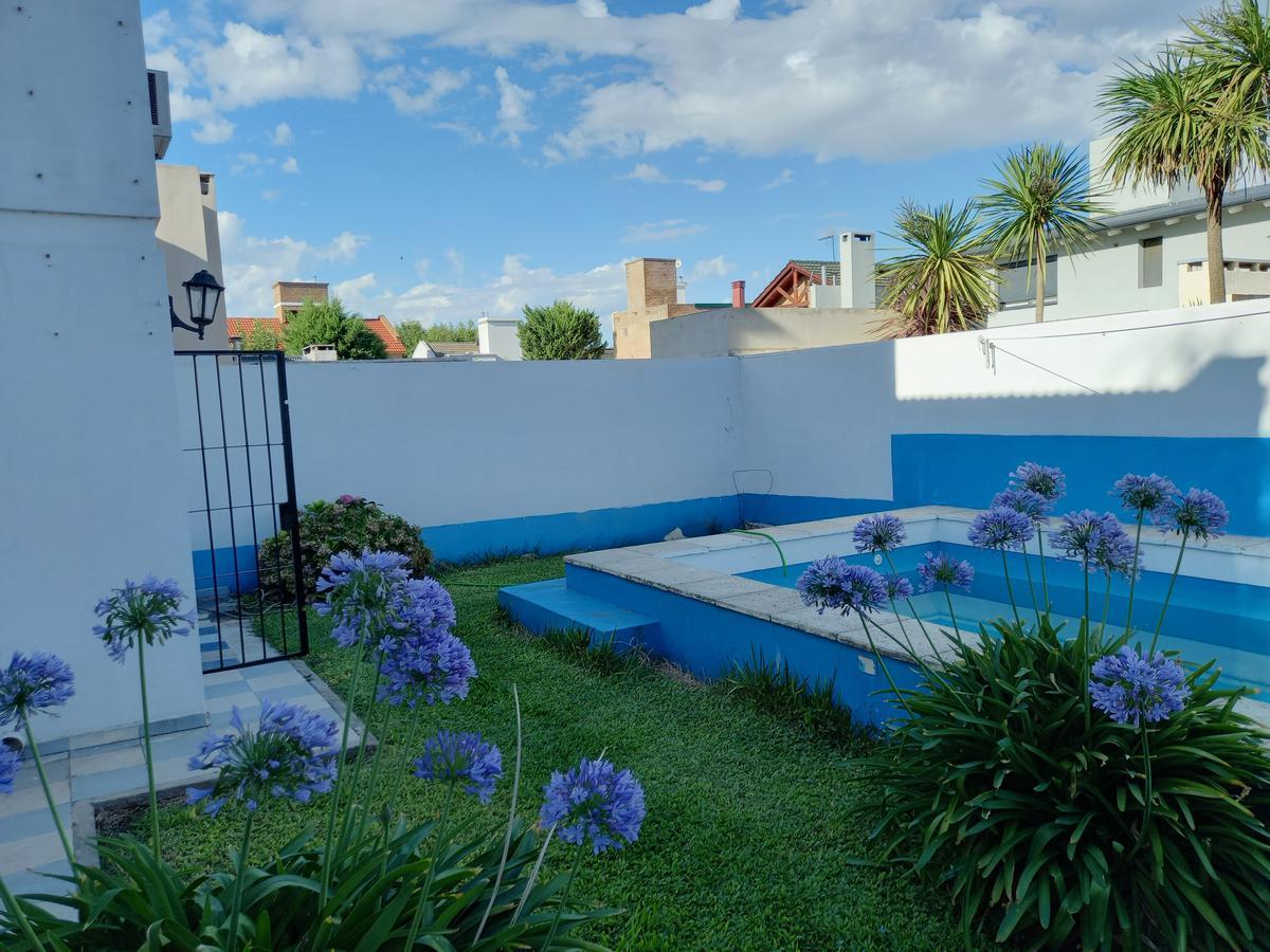 Foto Casa en Venta en  Tejas del Sur,  Cordoba  Mza. 14, lote 40 Pje. Martín Aldao B° Tejas del Sur