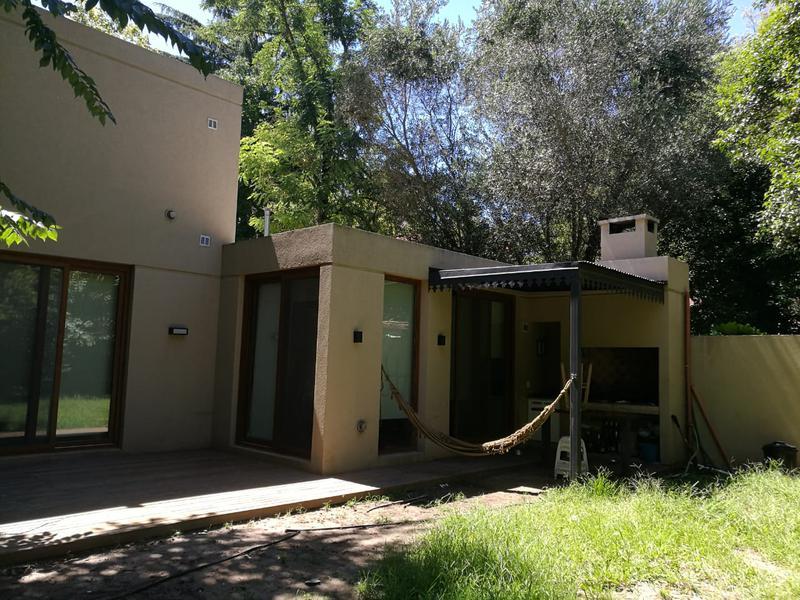 Foto Casa en Alquiler en  Barrio Parque Leloir,  Ituzaingo  Zapala al 3600