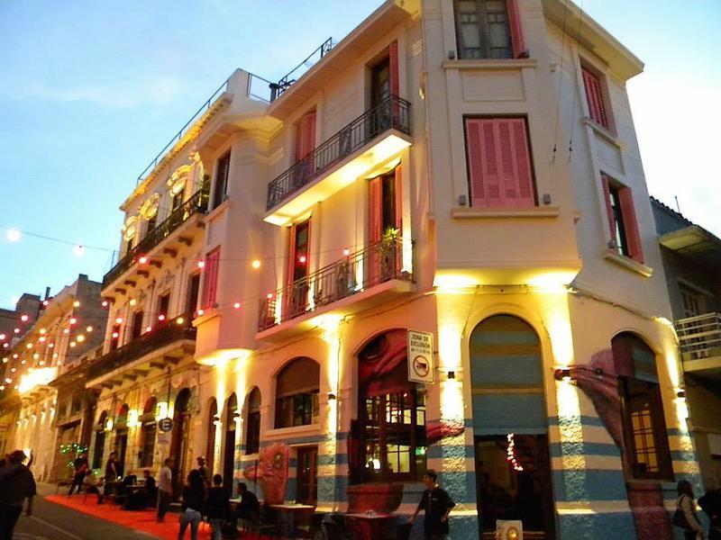 Foto Local en Alquiler |  en  Ciudad Vieja ,  Montevideo  Juan Carlos Gomez al 1500