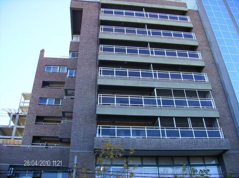 Foto Departamento en Venta en  Área Centro Este ,  Capital  Independencia al 100