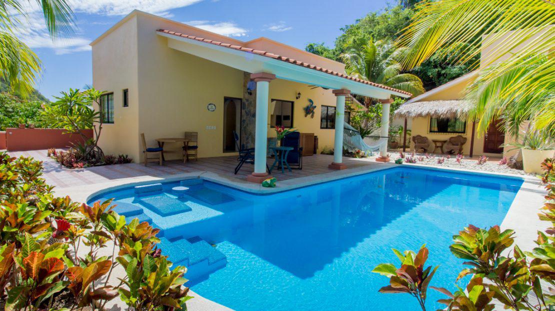 Foto Casa en Venta en  Santa María Huatulco ,  Oaxaca  Villa La Bocana