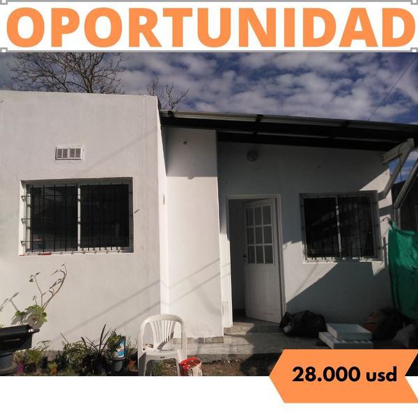Foto Casa en Venta en  Zapiola,  Lujan  Montes Carballo Nº 2361 A