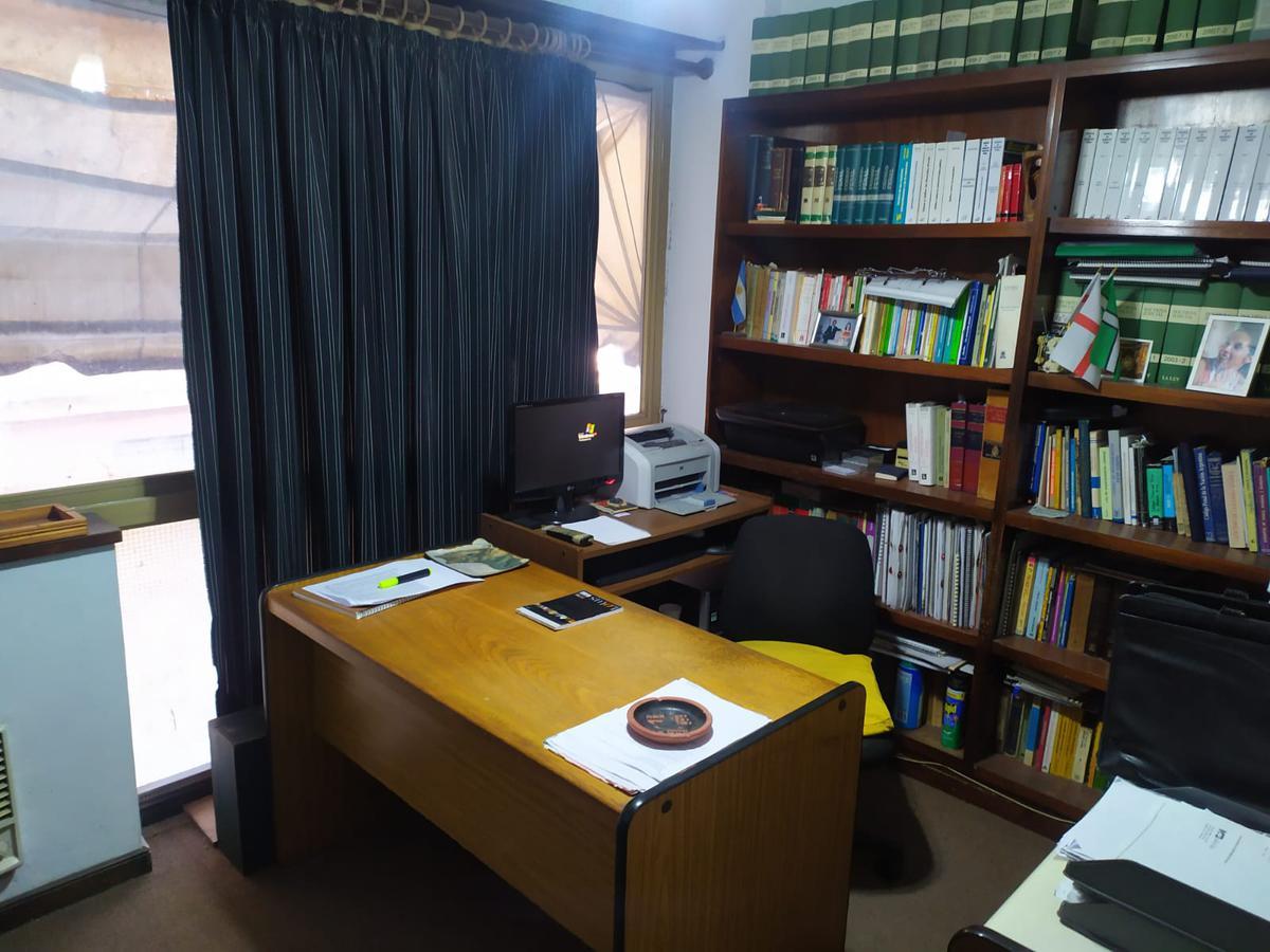 Foto Oficina en Venta en  S.Isi.-Centro,  San Isidro  Martin y Omar al 100