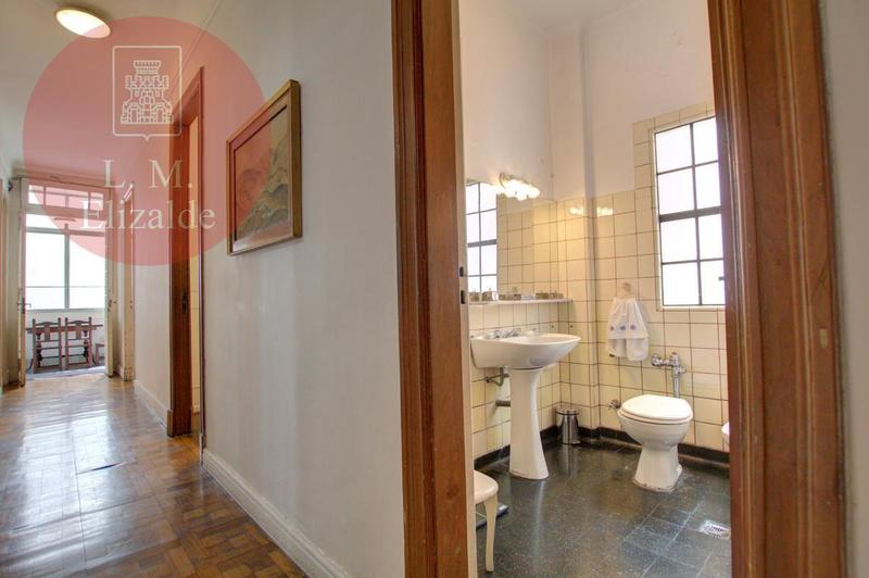 Foto Departamento en Venta en  Recoleta ,  Capital Federal  Arenales 900