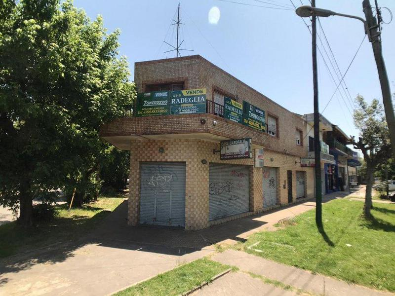 Foto Local en Venta en  Burzaco,  Almirante Brown  Av. Hipólito Yrigoyen 14593