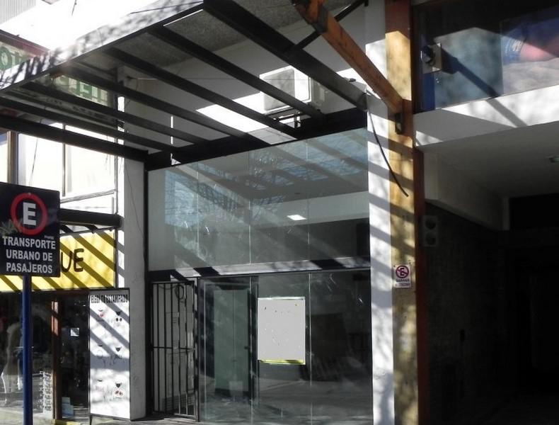 Foto Local en Venta en  Centro,  San Carlos De Bariloche  Quaglia al al 100