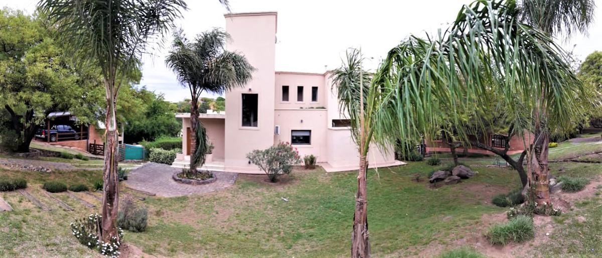 Foto Casa en Venta en  Cordoba Capital ,  Cordoba          Cuatrohojas Country