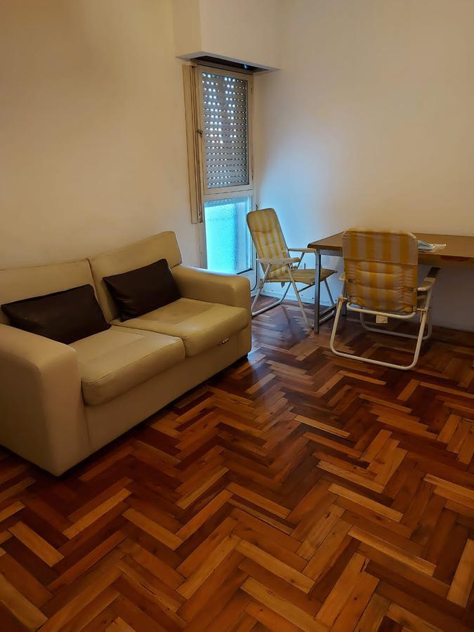 Foto Departamento en Alquiler temporario en  Almagro ,  Capital Federal  VENEZUELA  4400 4°