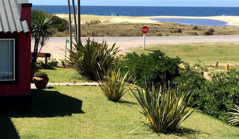 Foto Casa en Alquiler temporario en  El Chorro ,  Maldonado  ESQUINA SOBRE RUTA 10