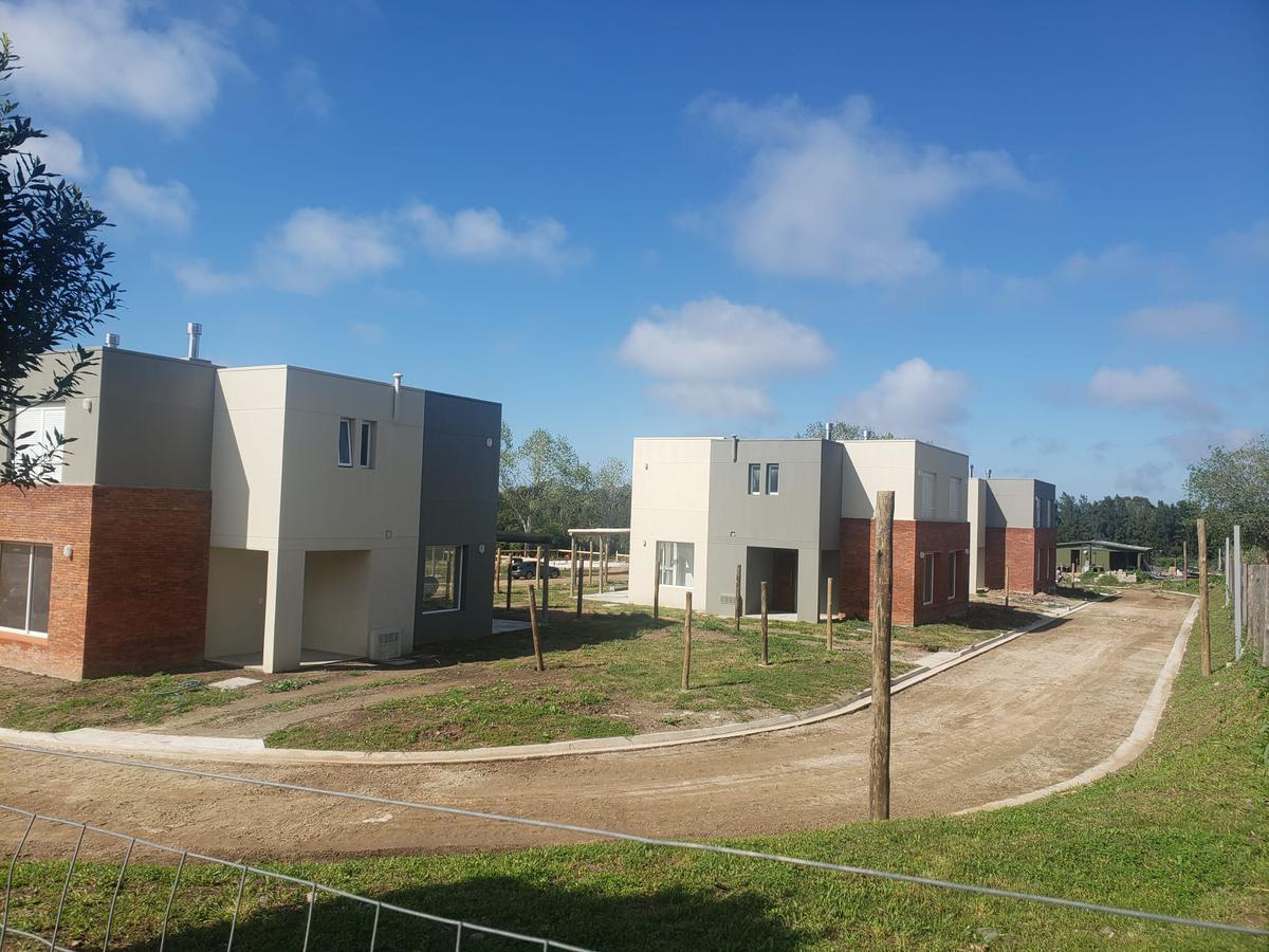 Foto Casa en Venta en  Parque Carrasco,  Ciudad de la Costa                          Barreiro Falegnane